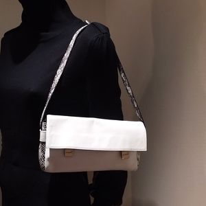 SALE ✨🎆FENDI WHITE HANDBAG